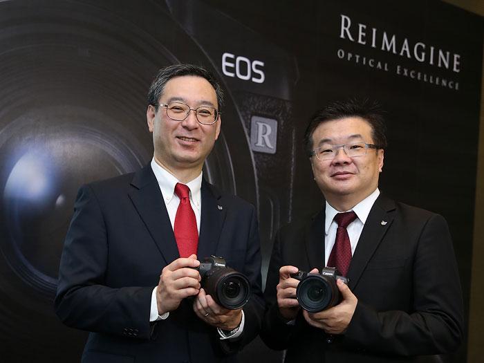 ฮารุกิ เทราฮิระ ประธานบริษัทและประธานกรรมการบริหาร  และ (ขวา) วรินทร์ ตันติพงศ์พาณิช รองประธานกลุ่มผลิตภัณฑ์