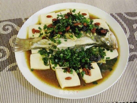 ปลากะพงนึ่งใส่กานาฉ่าย ขอบคุณภาพจาก https://home.meishichina.com/recipe-45533.html