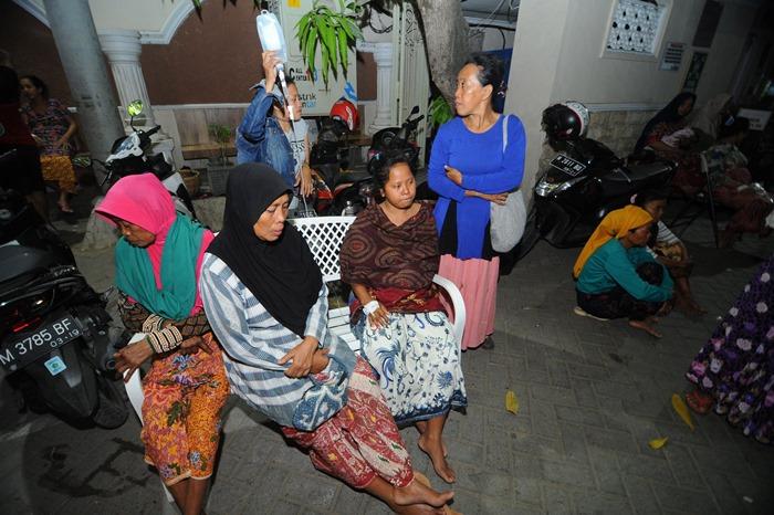ประชุมIMFระทึกแผ่นดินไหวชวา-บาหลี   ตาย3คน  แถม2ชม.ให้หลัง'ปาปัวฯ'ถูกเขย่าซ้ำ