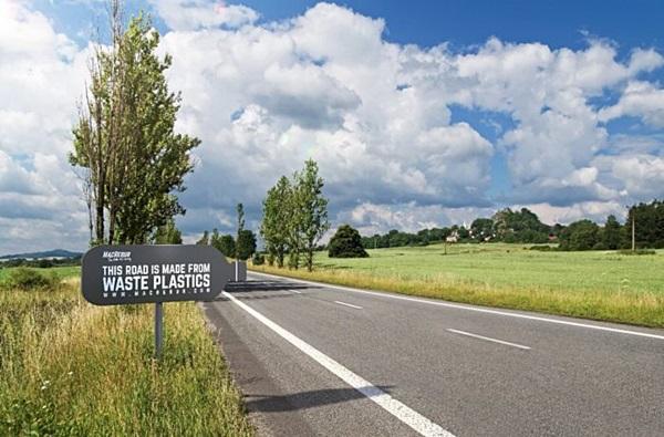 ถนนจาก 'ขยะพลาสติก' ในอังกฤษ ทนทานกว่าถนนลาดยางถึง 10 เท่า