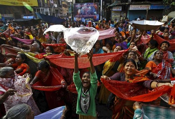 """วัดฮินดูทางใต้ของอินเดียกว่า 1 พันแห่ง """"ประกาศเลิกใช้ถุงพลาสติก"""" กระเพื่อมถึงวัดไทย"""