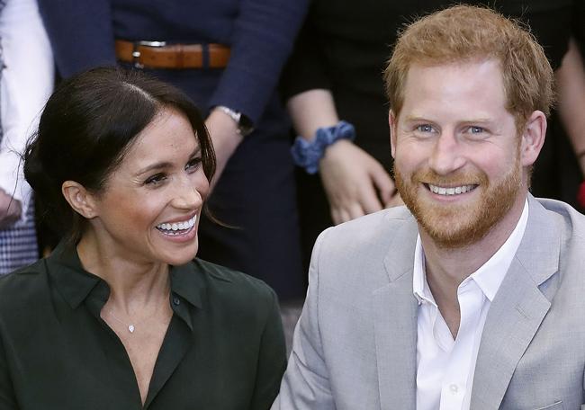 """ราชวงศ์อังกฤษเฮ! """"มาร์เคิล"""" ตั้งครรภ์แล้วคาดคลอดช่วงใบไม้ผลิปีหน้า"""