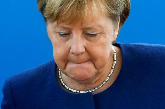 """In Clips : เบอร์ลินเผย ตัวเลขผู้อพยพเข้าเมืองเยอรมัน """"ต่ำกว่าครึ่งล้าน"""" ปีที่แล้ว – CNN ชี้อาจถึงเวลา """"แมร์เคิล"""" ต้องไป"""