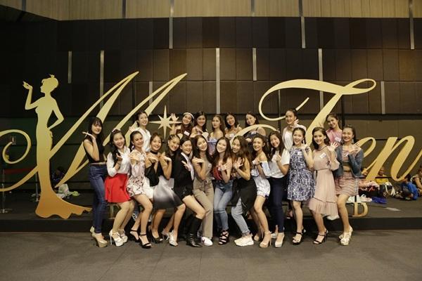 """50 สาววัยทีน """"มิสทีน ไทยแลนด์ 2018 บาย ชาเม่' ตัวแทนเยาวชนส่งเสริมการท่องเที่ยว จ.ลำพูน"""