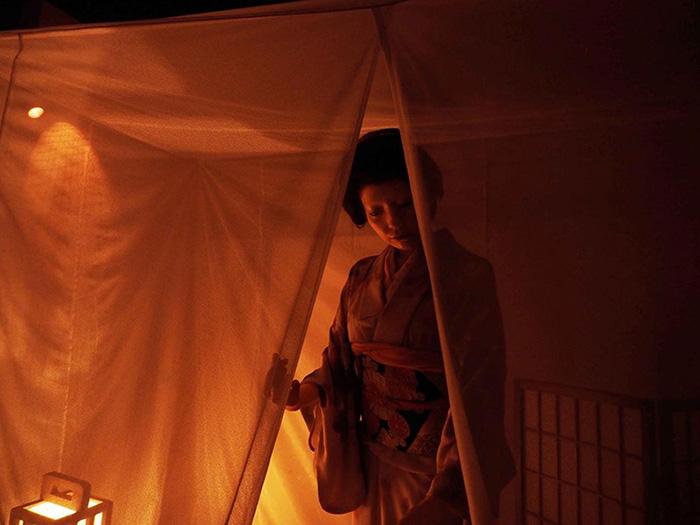 บรรยากาศชวนขนหัวลุก ที่ บ้านผีสิง – วิญญาณซากุระอาฆาต (ภาพโดย : Hanayashiki)