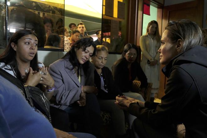 """""""แอนเจลินา โจลี"""" ร้องขอ """"เปรู"""" ช่วยผู้ลี้ภัยชาวเวเนซุเอลา"""