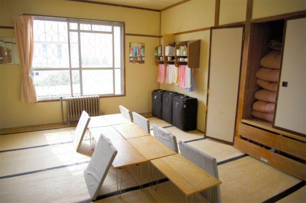 ห้องในเรือนจำคุโรบาเนะ จังหวัดโทชิงิ ภาพโดย Kai Kimura