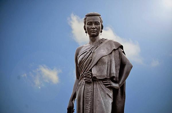๓๐ ตุลา ๒๓๗๐ ร.๓ โปรดเกล้าฯคุณหญิงโมเป็น ท้าวสุรนารี! วีรกรรมหญิงไทยที่ประวัติศาสตร์ต้องบันทึก!!