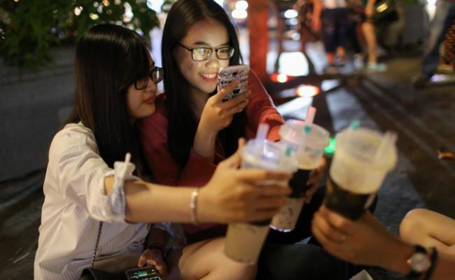 """ฮิตไม่แพ้ไทย งานวิจัยพบ """"ชานม"""" ครองใจชาวไซ่ง่อนมากกว่ากาแฟ"""