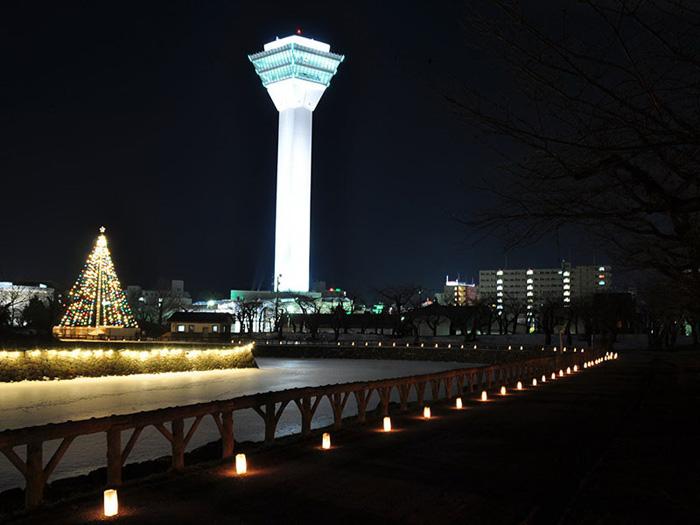 เทศกาลประดับไฟแห่งฮาโกะดาเตะ (ภาพจาก JNTO โดย :  Hokkaido Tourism Organization)