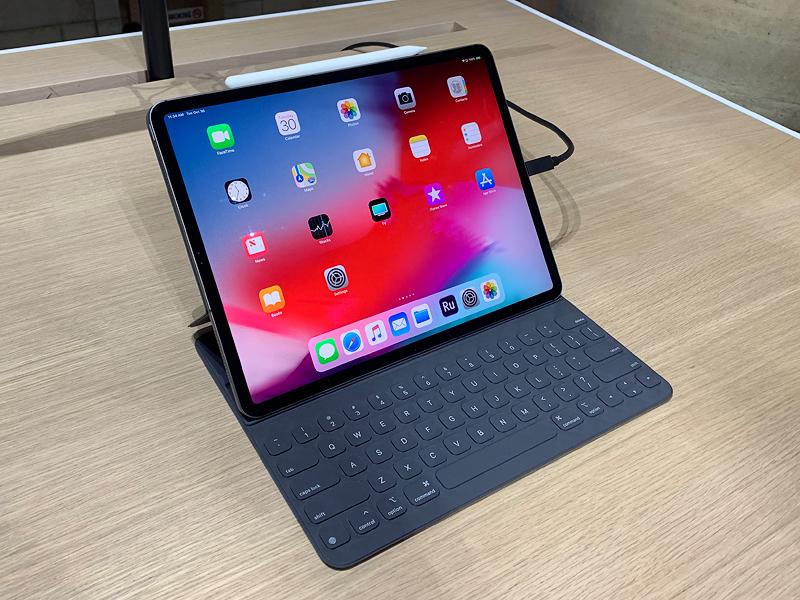 iPad Pro มากับหน้าจอ Liquid Retina เหมือนกับบน iPhone XR ทำให้แสดงผลได้ละเอียดมากยิ่งขึ้นกว่ารุ่นก่อนหน้า