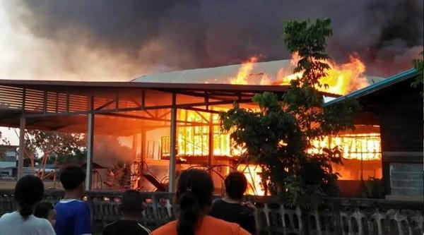 เปิดเทอมเศร้า!ไฟไหม้อาคารเรียนเหลือแต่ซากคาดไฟฟ้าลัดวงจร