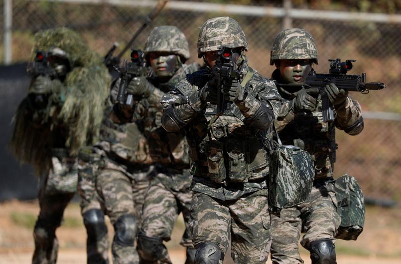 ศาลสูงสุดเกาหลีใต้ชี้อ้าง 'หลักศาสนา-มโนธรรม' ปฏิเสธการเกณฑ์ทหารได้