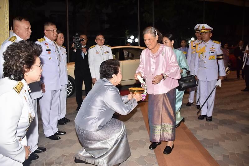 """สมเด็จพระเทพฯ ทอดพระเนตรการแสดงโขน ตอน """"พิเภกสวามิภักดิ์"""""""