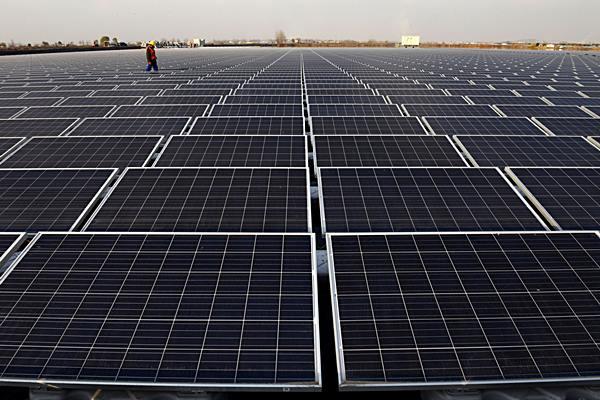 แผงพลังงานแสงอาทิตย์และบล็อกเชนคือทางเลือกใหม่ในการผลิตพลังงานสะอาดเพื่อช่วยพิทักษ์สิ่งแวดล้อม