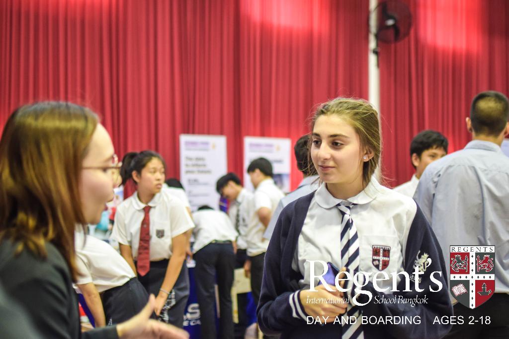 """ร.ร. นานาชาติรีเจ้นท์กรุงเทพฯ จัด """"University Fair 2018"""" ปูแนวทางให้นักเรียน"""