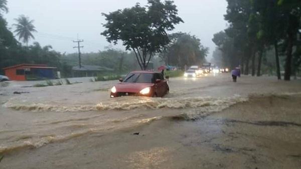 ภาพเหตุการณ์น้ำท่วมที่ อ.บางสะพาน จ.ประจวบฯ
