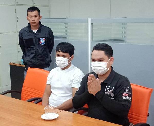 รวบ 2 ลูกจ้างเมืองพัทยา เรียกเงินค่าปรับทิ้งก้นบุหรี่นักท่องเที่ยวจีนโดยไม่มีใบเสร็จ