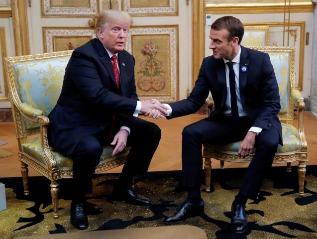 """""""ทรัมป์-มาครง"""" เห็นพ้องยุโรปต้องรับภาระกลาโหมมากขึ้น หลังเพิ่งฉะกันหมาดๆ"""
