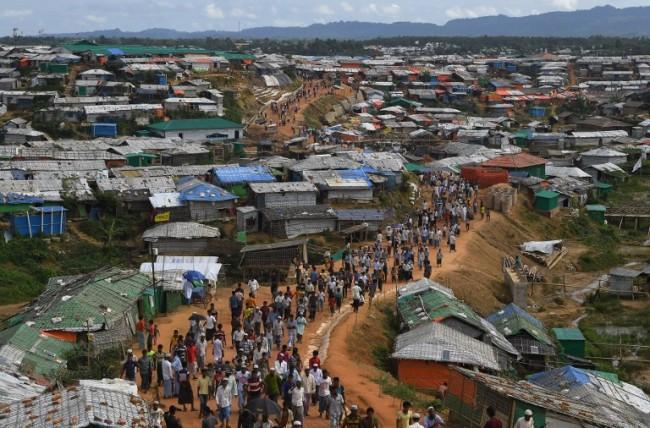 ผู้ลี้ภัยโรฮิงญาในบังกลาเทศหนีกันจ้าละหวั่นกลัวถูกบังคับส่งกลับพม่า