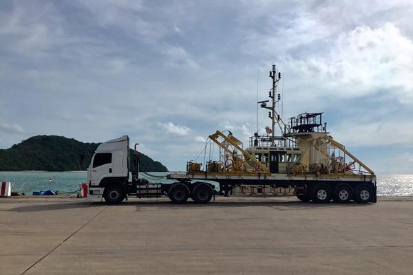 เรือเครนกู้ฟินิกซ์ถึงภูเก็ตแล้ว คาดโผล่พ้นน้ำเร็วๆนี้ เยียวยาครบทุกศพ จีน FIT ไม่ลด กรุ๊ปทัวร์ยังไม่ฟื้น