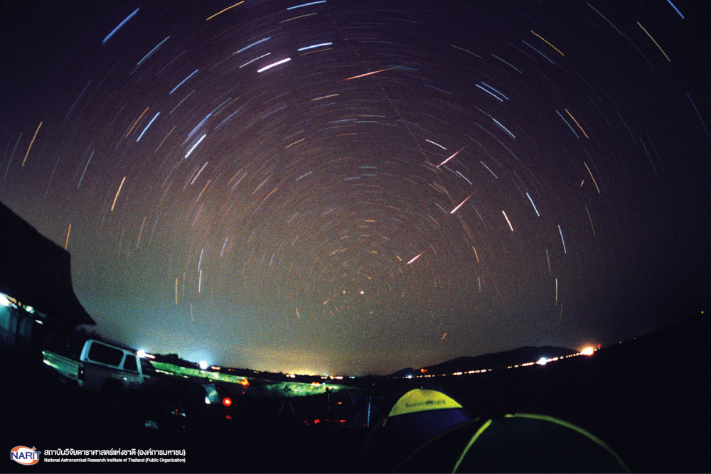 Meteor shower phenomenon in 2001, recorded by Sumetha Petchmee