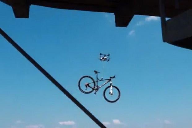 โจรไฮเทค!!ใช้โดรนขโมยจักรยานไปต่อหน้าต่อตาเจ้าของ(ชมคลิป)