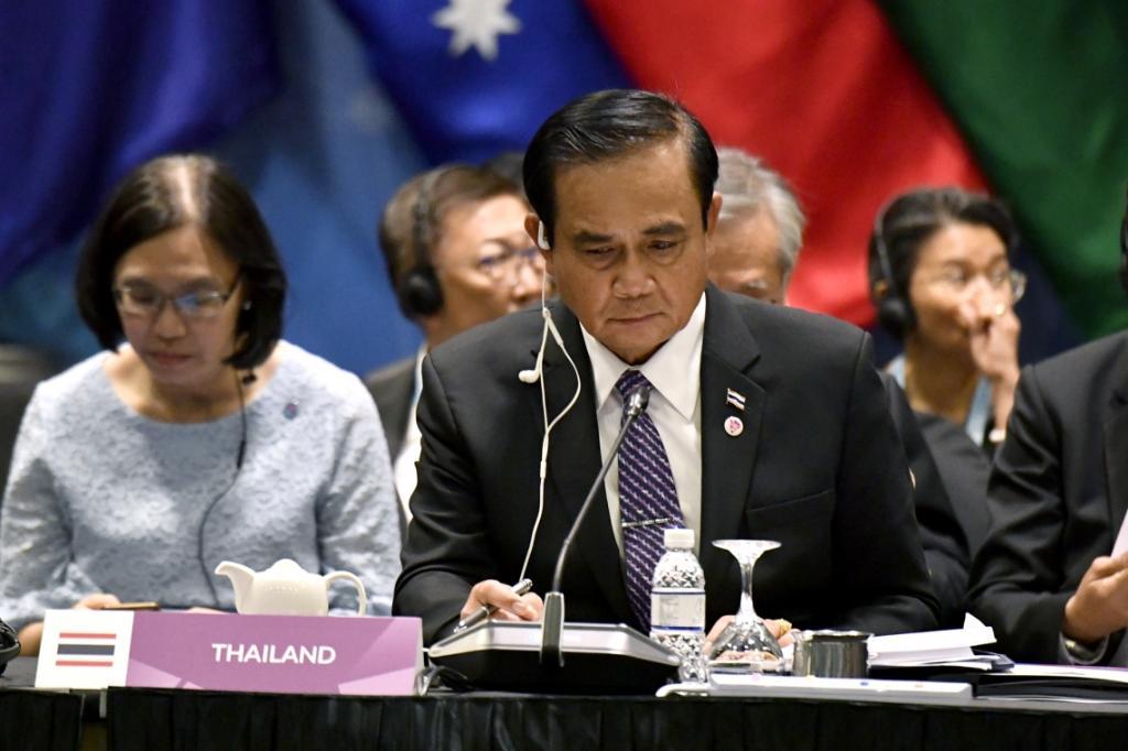 """""""บิ๊กตู่"""" นำไทยรับตำแหน่งปธ.อาเซียน 2019 ชูแนวคิดร่วมมือ ร่วมใจ ก้าวไกล ยั่งยืน"""