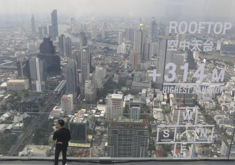 """เผยโฉม """"มหานคร สกายวอล์ค"""" จุดชมวิวกระจกลอยฟ้า ใหญ่สุดในโลก-สูงที่สุดในไทย"""