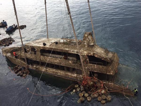 กู้สำเร็จแล้ว! ซากเรือฟินิกซ์ ลากขึ้นคาน เข้าสู่ขบวนการพิสูจน์หลักฐาน เอาผิดผู้เกี่ยวข้อง เรียกความเชื่อมั่น