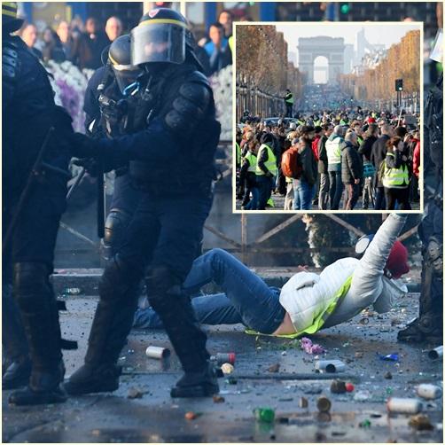 """In Pics:  ผู้ประท้วงเกือบ 300,000 ปิดถนนทั่วฝรั่งเศสต้าน """"มาครง"""" ขึ้นภาษีน้ำมัน เสียชีวิต 1"""