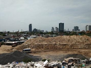 รฟท.เร่งเคลียร์ผู้บุกรุกที่ดินแม่น้ำ เจอเอกชนรายใหญ่ทั้งสร้างบ้านพัก-ทำแหล่งทิ้งขยะ