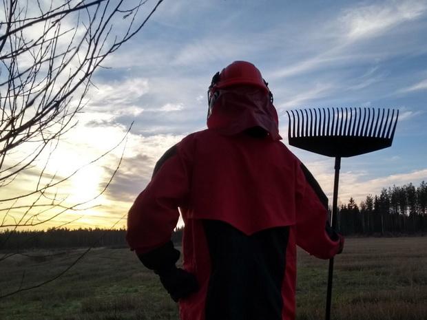 """ทรัมป์ชมฟินแลนด์ฉลาดใช้คราดกันไฟไหม้ป่า ถูกโซเชียลอำเละ""""กวาดให้อเมริกายิ่งใหญ่อีกครั้ง"""""""