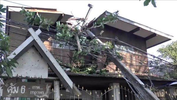 ฤทธิ์ลูกเห็บถล่มกลางหน้าหนาว บ้านชาวพะเยาพังกว่า 300 หลังคา