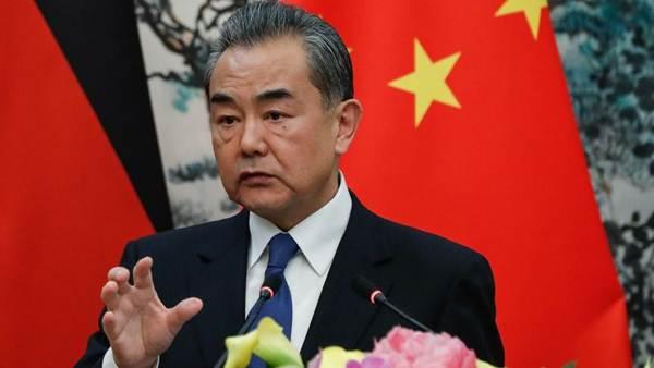 """จีนชี้ """"มะกัน """" หัวโจกลัทธิกีดกันการค้า ปัดข้อเสนอแถลงการณ์ร่วมซัมมิตเอเปคของจีน"""