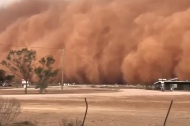 ภาพสะพรึง!พายุฝุ่นมหึมาปกคลุมออสเตรเลีย เปลี่ยนท้องฟ้าซิดนีย์เป็นสีส้ม(ชมคลิป)