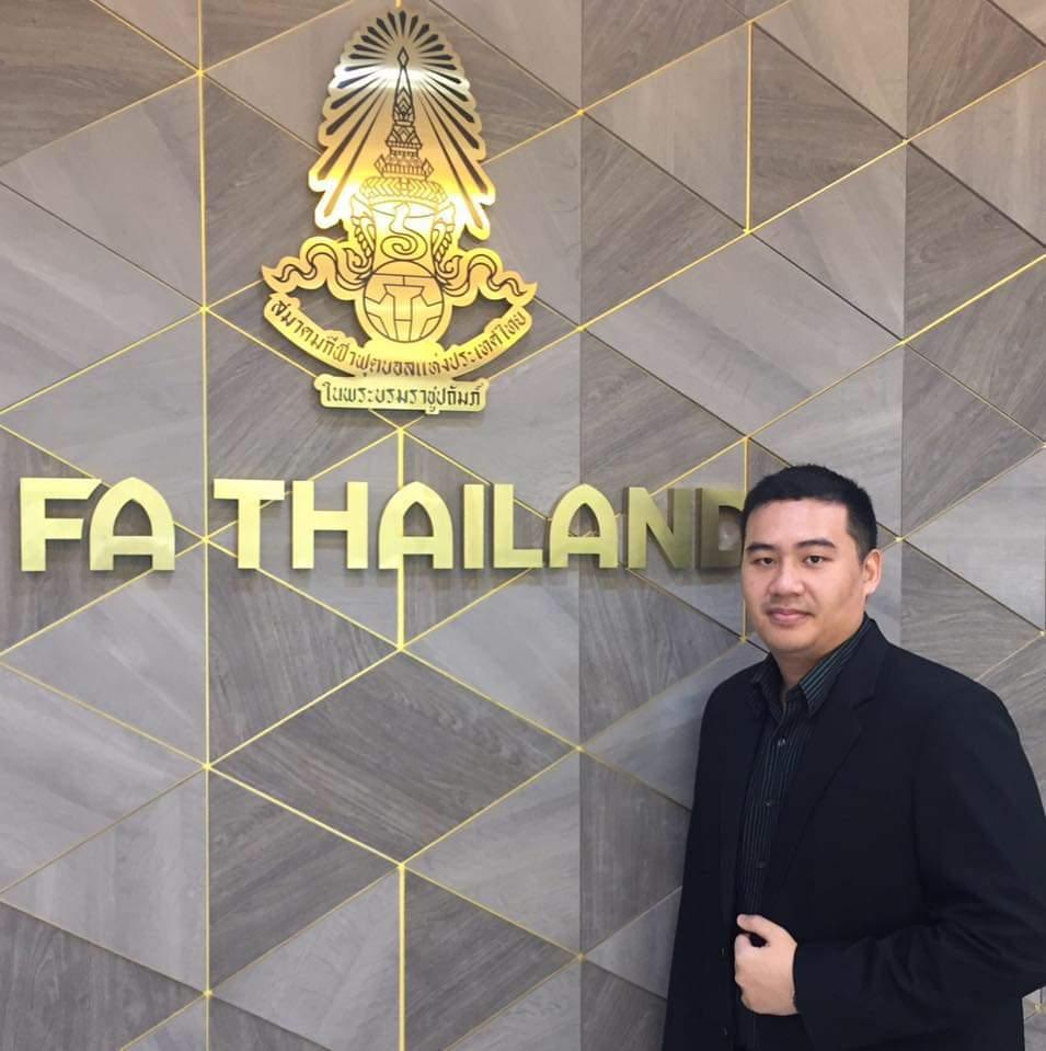 """ไม่ใช่ไก่กา! จับเข่าคุย """"ดร.อาชวิทธิ์"""" หัวหน้าฝ่ายเทคนิคลูกหนังไทยฯ"""