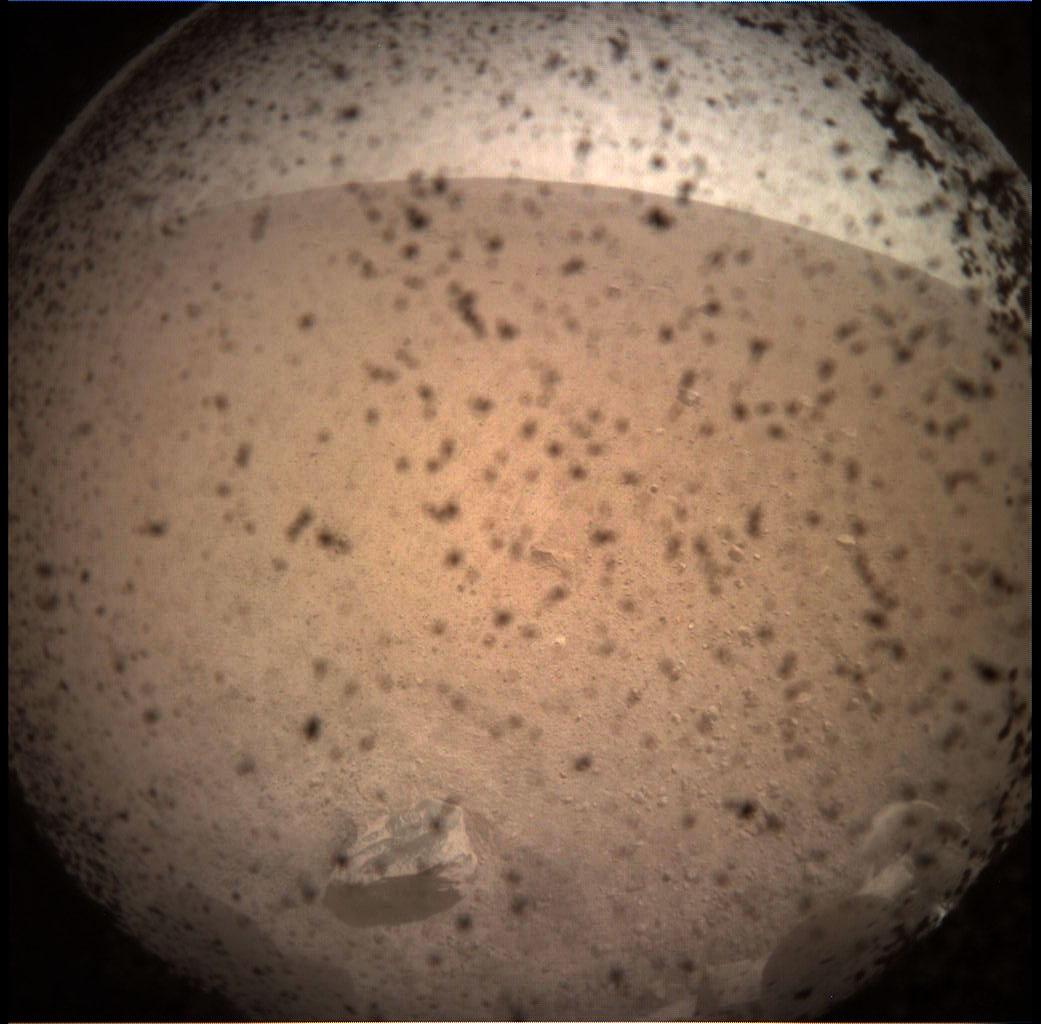 ภาพแรกบนพื้นผิวดาวอังคารจากยานอินไซต์ (NASA/JPL-CalTech)