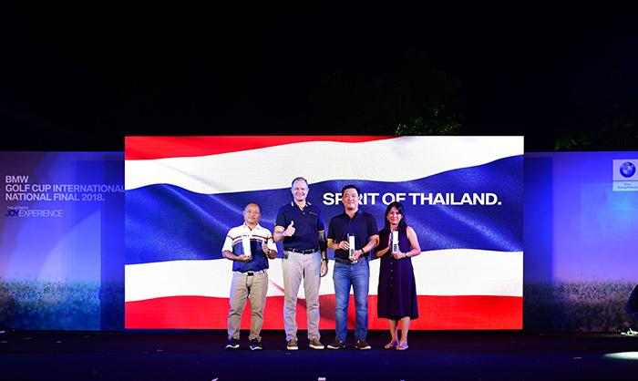 มร.คริสเตียน วิดมานน์ (ที่ 2 จากซ้าย) ประธาน บีเอ็มดับเบิลยู กรุ๊ป ประเทศไทย มอบรางวัลแก่สามตัวแทนทีมประเทศไทย ผู้คว้าชัยในรอบชิงชนะเลิศระดับประเทศ BMW Golf Cup International National Final 2018  ได้แก่ คุณปภพ ตัณศิริชัยยา (ที่ 3 จากซ้าย) คุณประหยัด สมปาง (ซ้ายสุด) คุณพรสวรรค์ ชาญศึก (ขวาสุด) เตรียมชิงตำแหน่งแชมป์โลกต่อเนื่องเป็นปีที่ 3 ณ ประเทศเม็กซิโก ในเดือนมีนาคม 2562 นี้