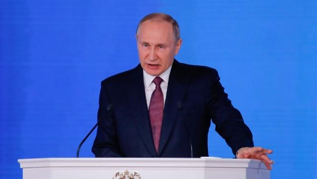 """ปูตินยัน! รัสเซียมี """"สิทธิตามกฎหมาย"""" ที่จะยึดเรือยูเครน"""