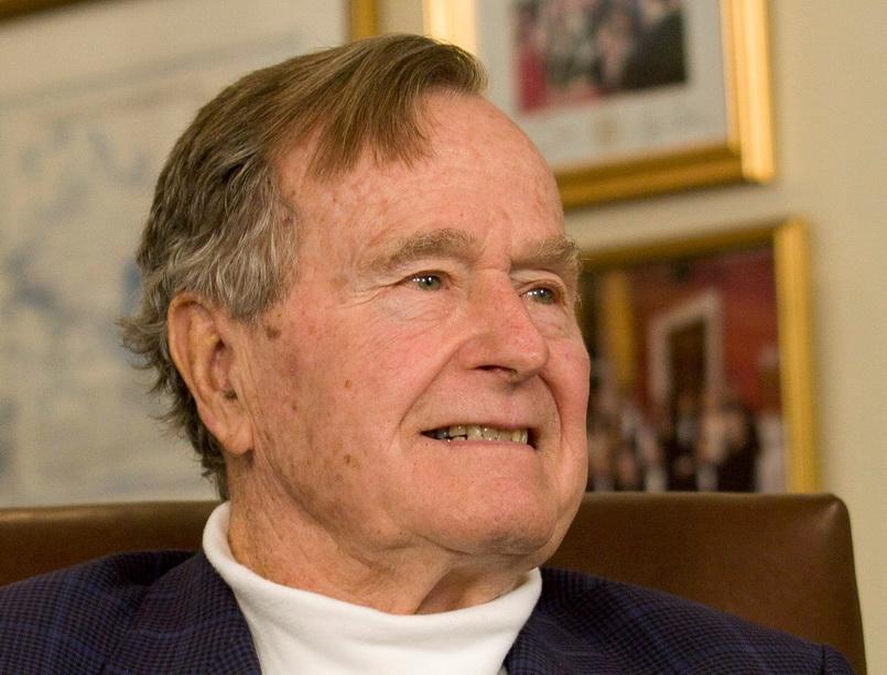 อดีตประธานาธิบดี จอร์จ เอช. ดับเบิลยู บุช ผู้นำคนที่ 41 ของสหรัฐอเมริกา (แฟ้มภาพรอยเตอร์ ปี 2012)