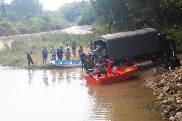 ครูหนุ่มวัยเบญจเพสโรงเรียนดังนัดเคลียร์ปัญหากับลูกศิษย์บนสะพานพลาดตกแม่น้ำสูญหาย