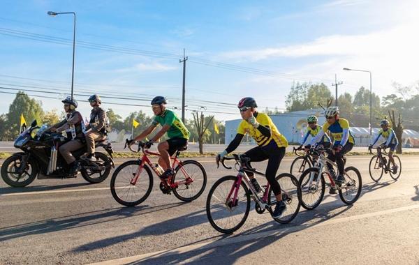 """นักปั่นเกือบ 5 พันคนใน จ.ตราด ร่วมซ้อมใหญ่เสมือนจริงกิจกรรม  """"Bike อุ่นไอรัก"""" ทั้ง  3 ระยะ"""
