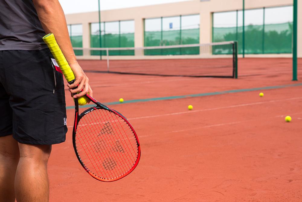 """""""สนามเทนนิสดินเทียม"""" (Classic Clay Court) สนามแรกในประเทศไทย"""