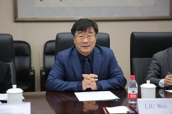 ศาสตราจารย์ หลิว เหว่ย อธิการบดีมหาวิทยาลัยประชาชนแห่งประเทศจีน (Renmin University of China)