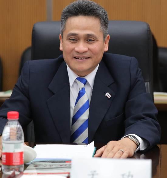 นายมงคล วิศิษฏ์สตัมภ์ อุปทูตไทยประจำกรุงปักกิ่ง สาธารณรัฐประชาชนจีน