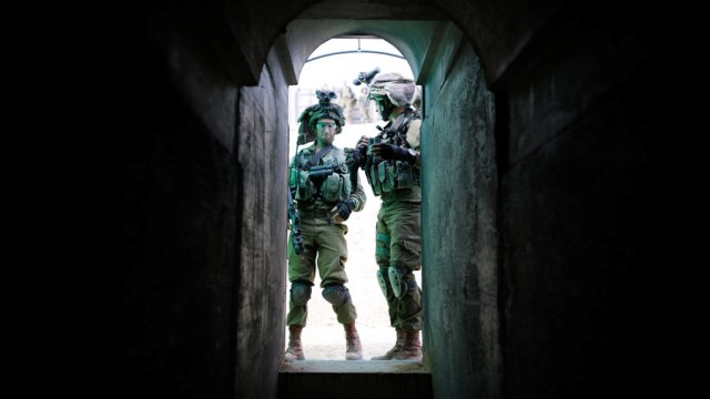 """อิสราเอลเริ่มทำลาย """"อุโมงค์แทรกซึม"""" ของฮิซบอลเลาะห์ที่ขุดจากเลบานอน"""
