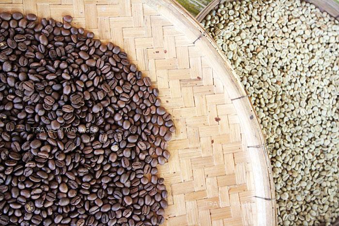 เมล็ดกาแฟคั่วหอมกรุ่น