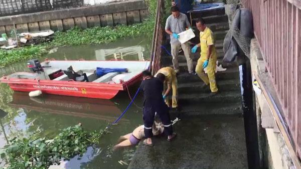 พบศพหญิงปริศนาลอยน้ำขึ้นอืดแม่น้ำเจ้าพระยา ขณะตัวเงินตัวทองกำลังแทะกินศพ