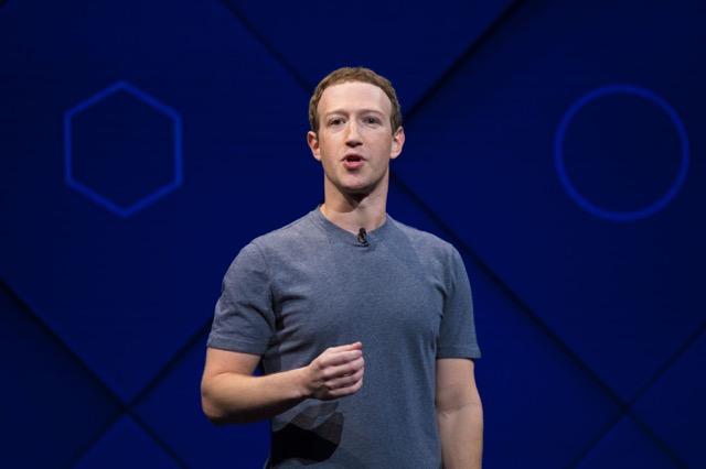 มาร์ก ซักเคอร์เบิร์ก ผู้ก่อตั้งเฟซบุ๊ก